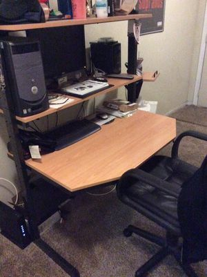 """IKEA computer desk and Dell Dimensions 2400 computer with 22"""" Dell monitor for Sale in Baltimore, MD"""