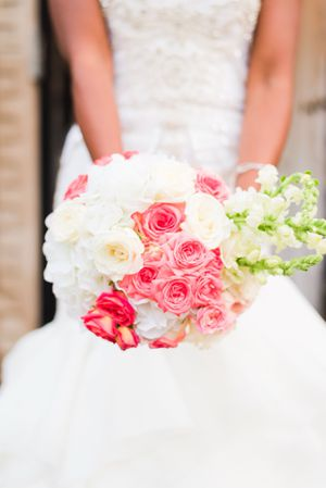 $199 Fresh/Real Flower Wedding Bouquets for Sale in Fort Washington, MD