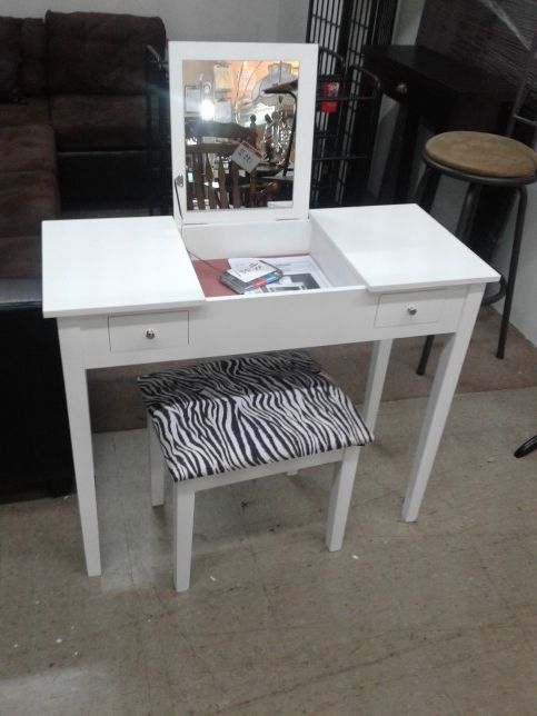 New Lovely Vanity With Stool At Affordable Price Furniture In