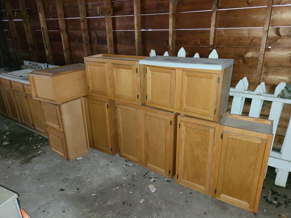 Kitchen cabinets for Sale in Lemont, IL - OfferUp