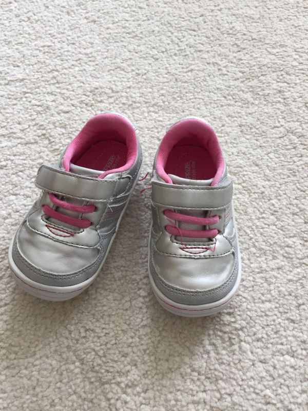 310b7f46d Stride rite baby girl shoes Size 4 for Sale in Greenville, SC - OfferUp