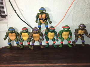 Vintage 1989 13 inch teenage mutant ninja turtle action figures for Sale in Orlando, FL