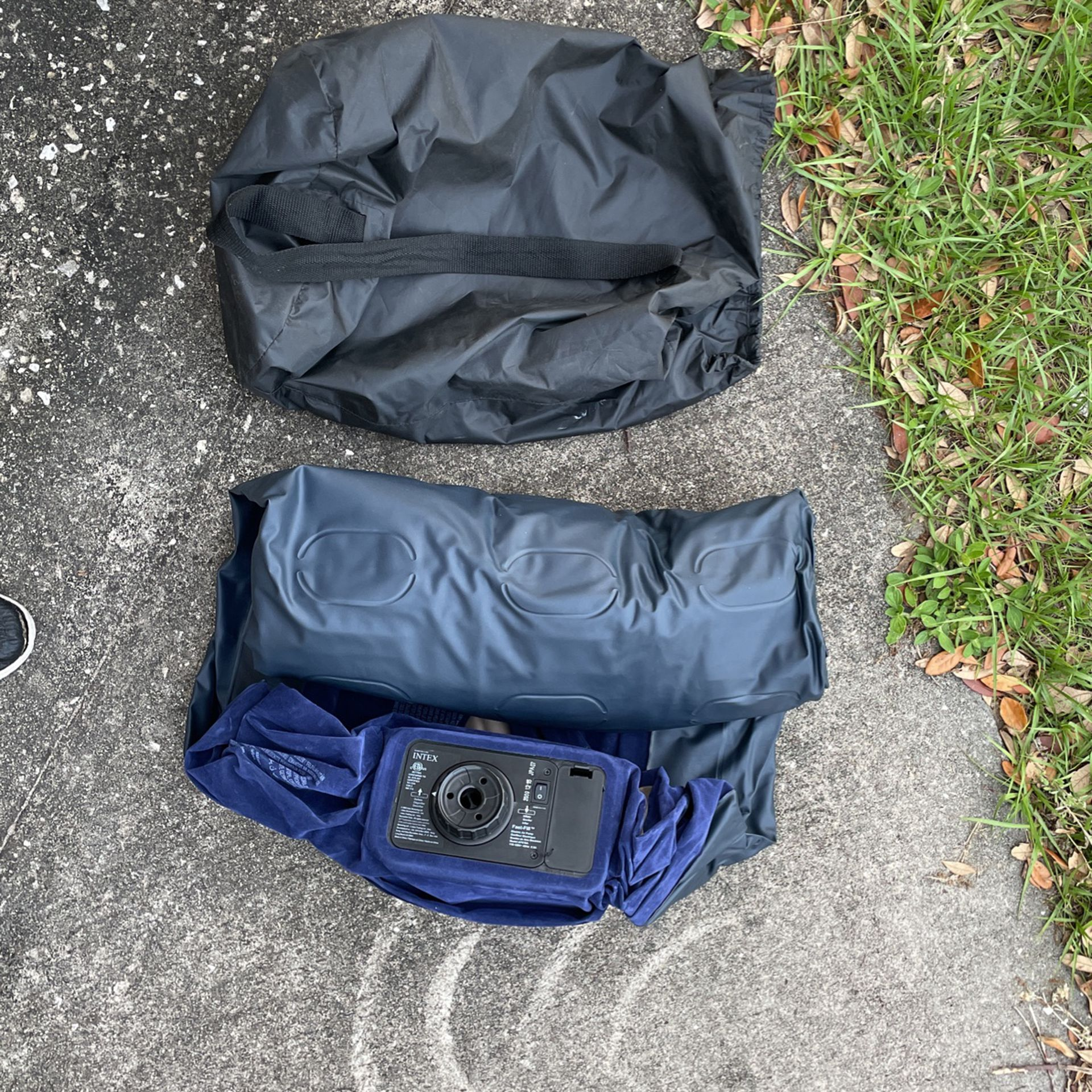 Photo Air Mattress Single, Built In Pump Motor. With Carrying Bag