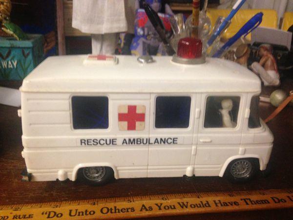 Vintage Ambulance Toy for Sale in Garland, TX - OfferUp