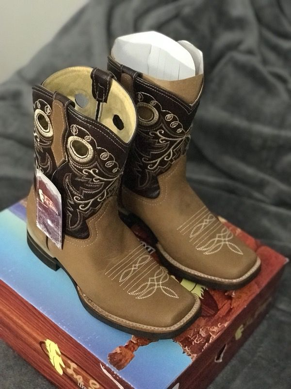 83e8c8b6df Cowgirl boots   botas vaqueras para mujer for Sale in San Jose