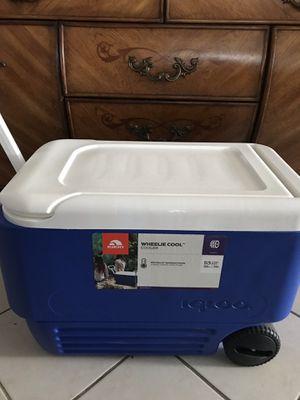 Igloo cooler for Sale in Santa Fe Springs, CA