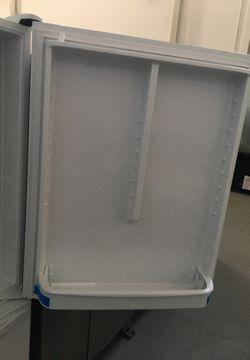 "Whirlpool 33"" 22.07 Cu. Ft. Bottom Freezer Refrigerator - Smooth White Thumbnail"