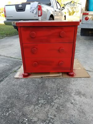 Photo Red/White Oak Ball Foot 3 Drawer Chest