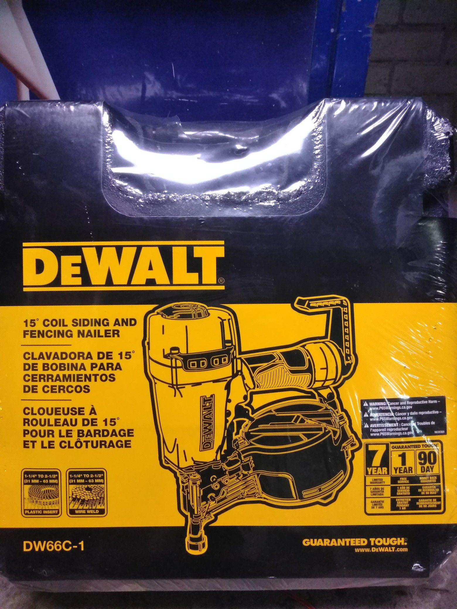 Brand new DeWalt •15 Coil Siding & Fencing Nailer