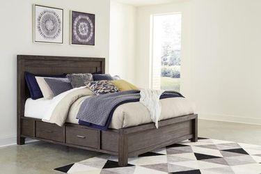 Dellbeck Dark Brown Storage Platform Bedroom Set Thumbnail