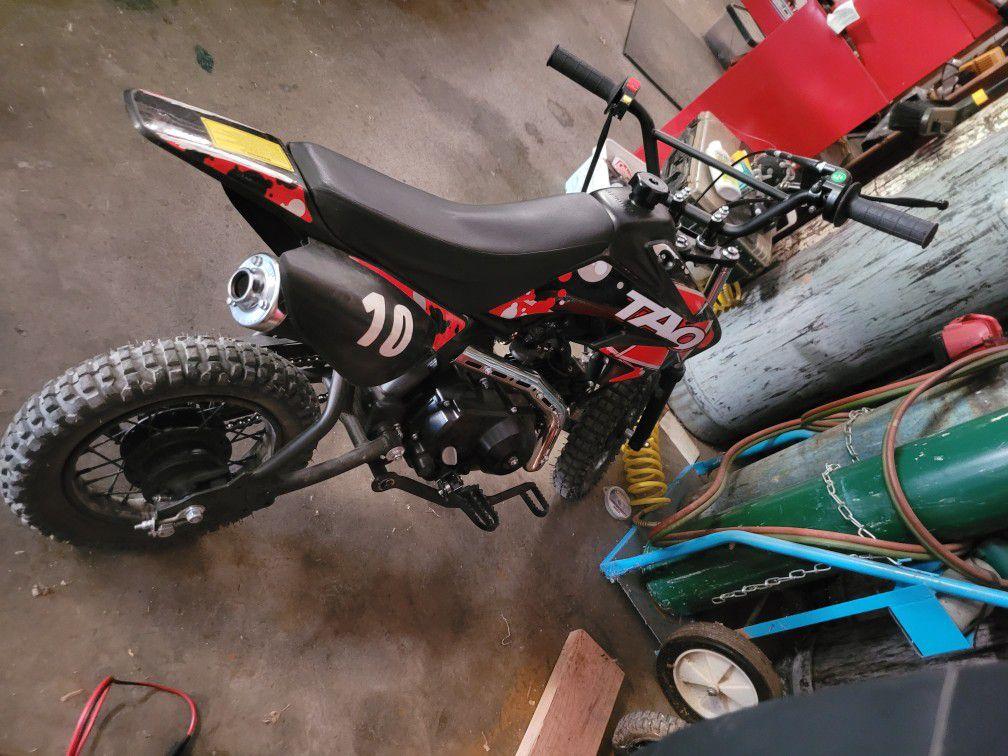 Photo Dirt Bike 110 cc Tao Tao Red and Black