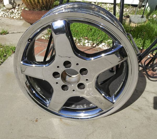 "ONE MERCEDES BENZ 17"" CHROME RIM"
