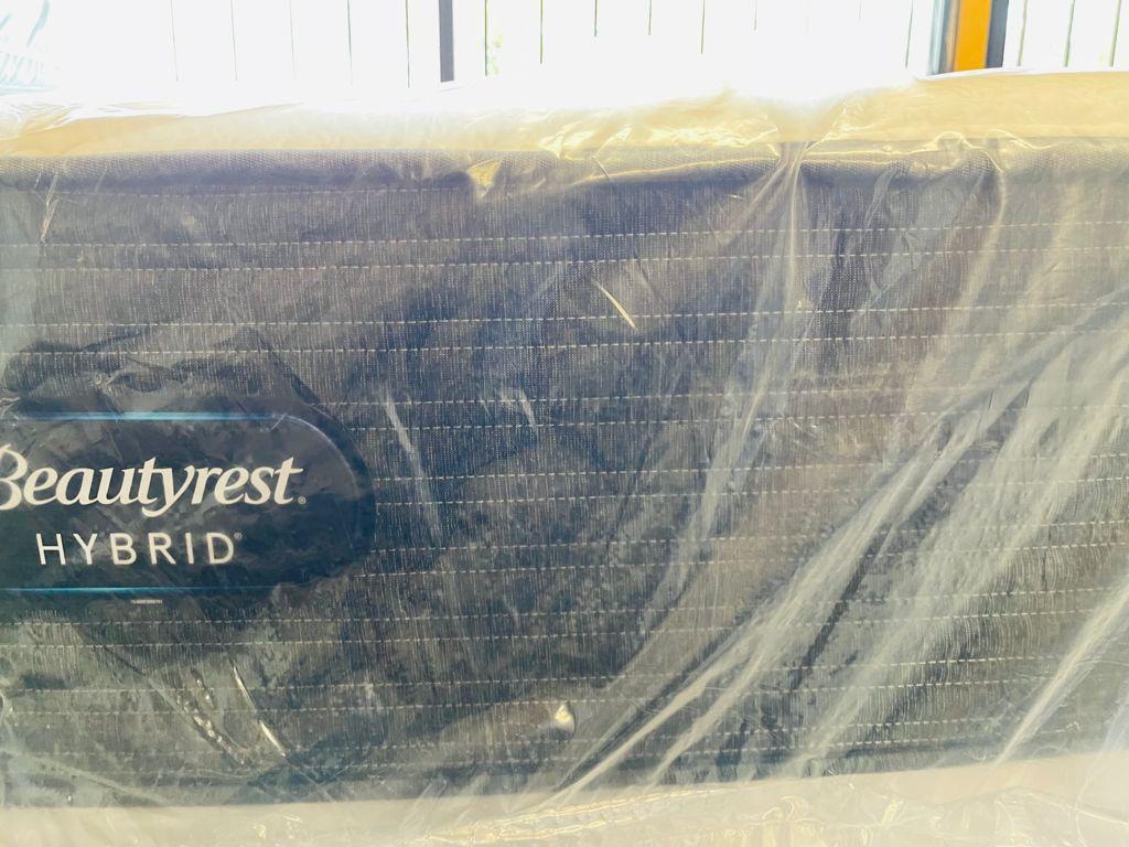 Queen Beautyrest Hybrid Mattress Set
