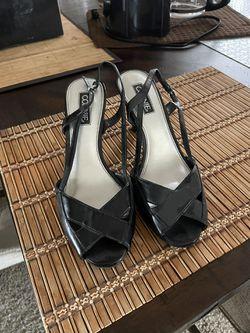 Women's Shoe, Soft Leather Thumbnail