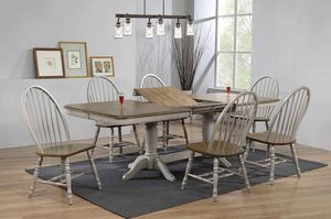 Photo New Brand Crown Mark Dining Room Set