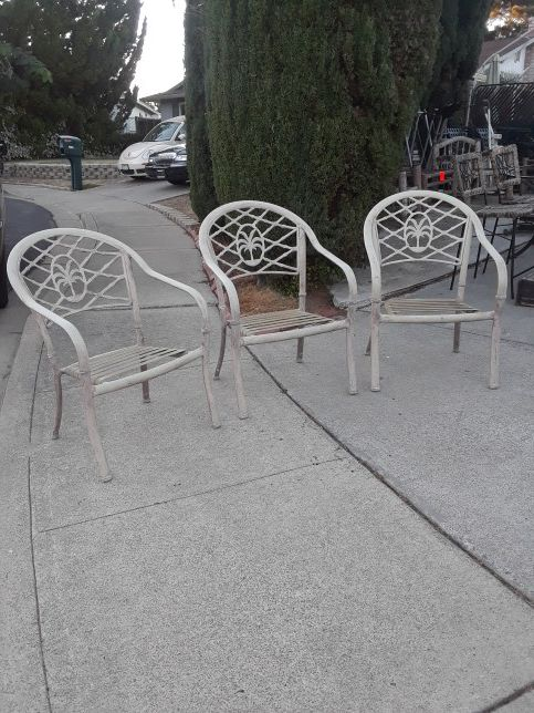 Hampton Bay Patio Furniture Warranty Canada: Set Of 3 Hampton Bay Palm Tree Design Outdoor Patio Chairs