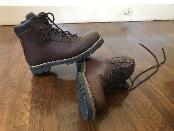 79590228f53 Alico Summit Hiking Boots for Sale in Bellingham, WA - OfferUp