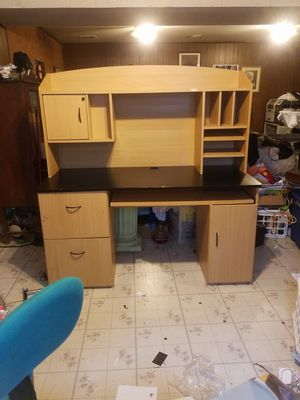 Office Desk for Sale in Fort Washington, MD