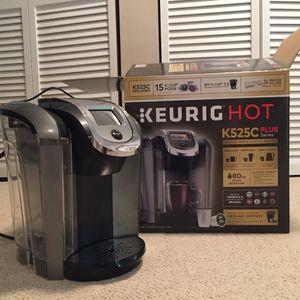 KEURIG K525C plus HOT coffee maker for Sale in Herndon, VA
