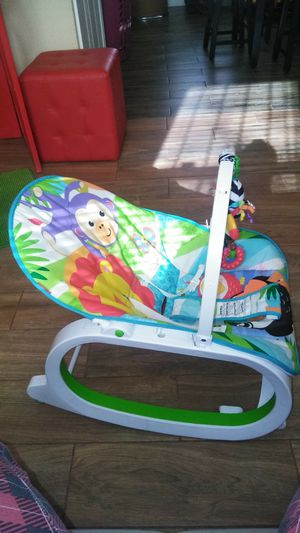 Baby Vibrating Rocking Chair for Sale in Fort Washington, MD