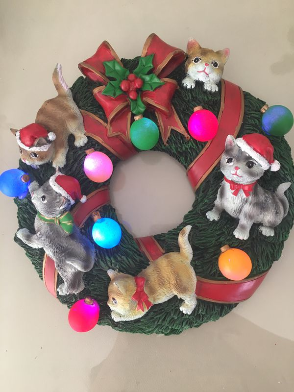 Christmas Cat Tree and Wreath for Sale in Las Vegas, NV - OfferUp