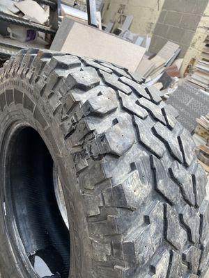 Photo Truck tires 285/70 17