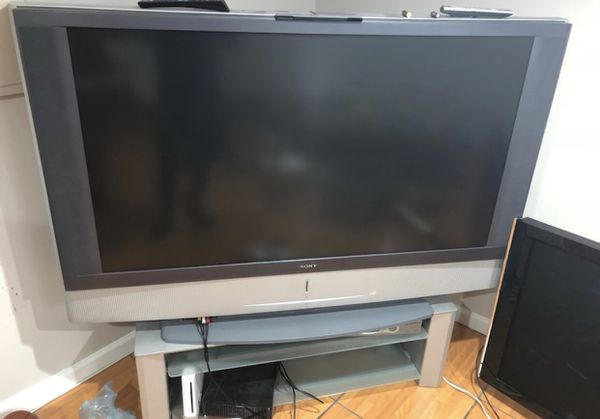 Sony 68 Inch Tv Wega Needs Bulb Lamp To Work For Sale In Elmont
