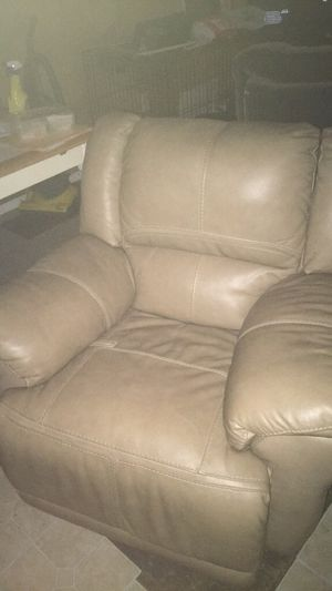 Superb New And Used Recliner For Sale In Melbourne Fl Offerup Gmtry Best Dining Table And Chair Ideas Images Gmtryco