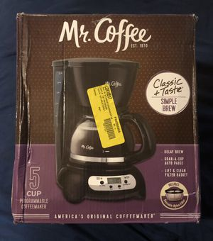 Photo Mr Coffee 5 Cup Programmable Coffee Maker