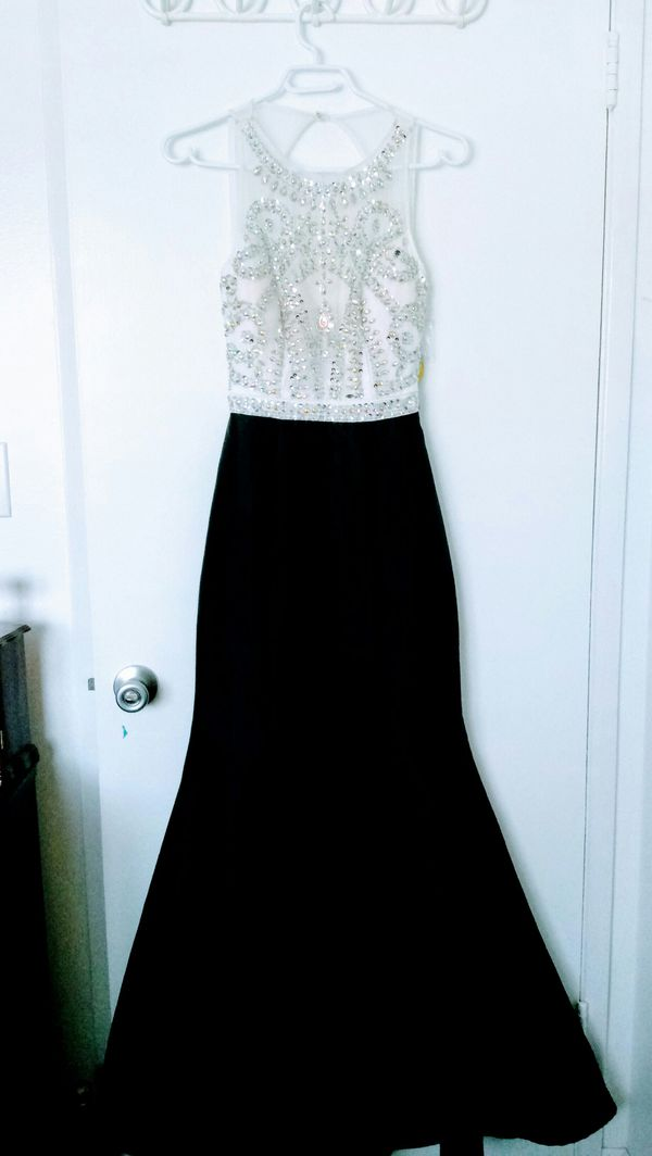 fa2bb251d89 Black and White Backless Sequin Prom Dress for Sale in Anaheim