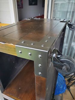 Coffee Table With Casters Thumbnail