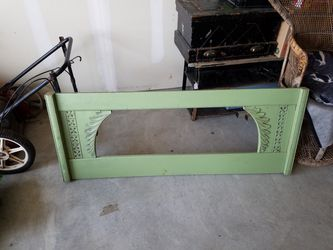 Green Frame Thumbnail