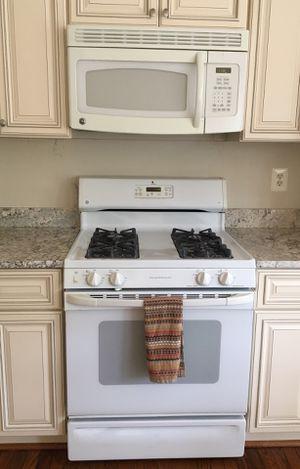 GE - Microwave, Gas Range, Refrigerator, DW for Sale in Sterling, VA