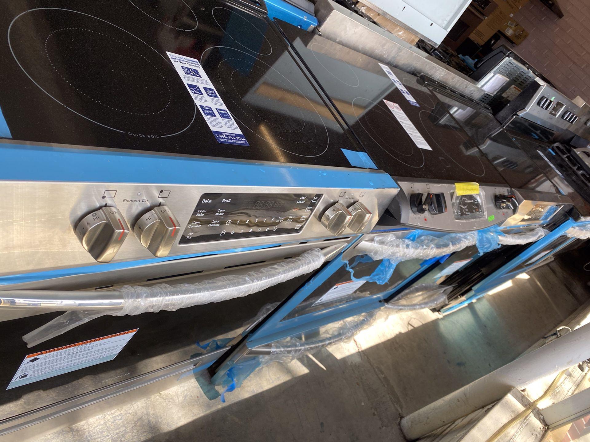 Frigidaire Electric 22ov Slide In Stove New Open Box