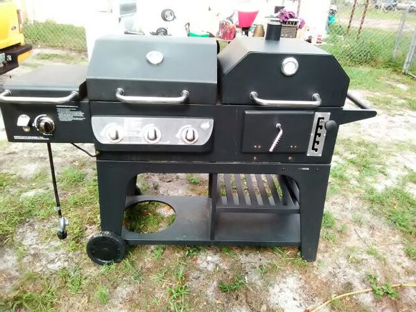 Makers Mark Hybrid Gas Smoker And Side Burner Combo Grill