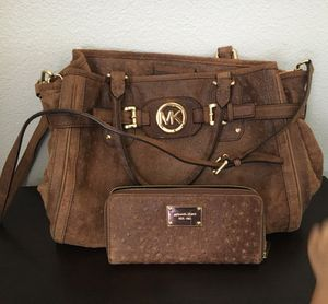 Distressed Ostrich leather Michael kors Bag and wallet for Sale in Wake Forest, NC