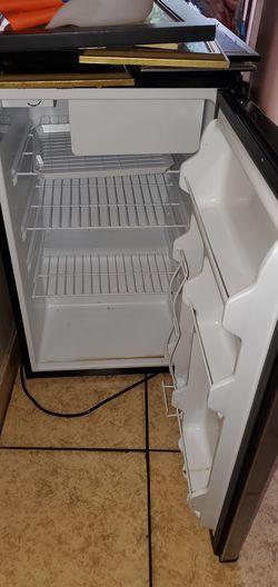 Mini refrigerador Thumbnail