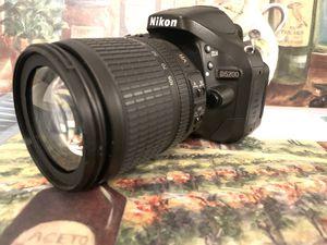Nikon D5200 DSLR Camera w/ 18-105mm Lens for Sale in West McLean, VA