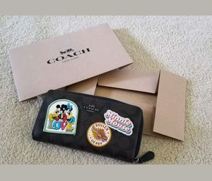 Authentic coach Disney minnie mouse acordian wallet for Sale in Gaithersburg, MD