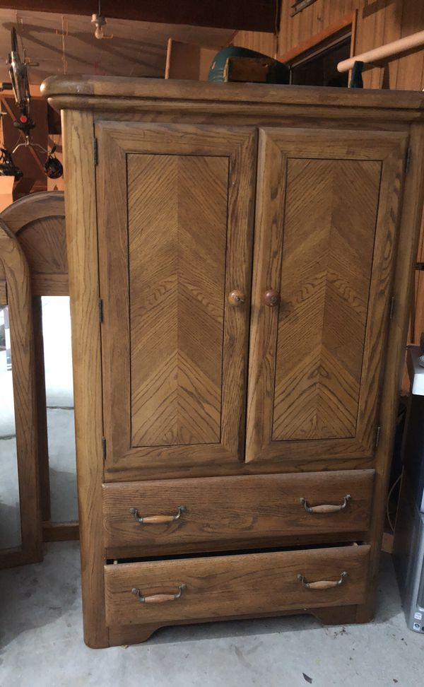 Solid Oak Armoire Dresser Night Stand Mirrors Set Boise