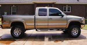 Photo 🍁$1000 Selling my 2002 Silverado Silverado.🍁One/owner