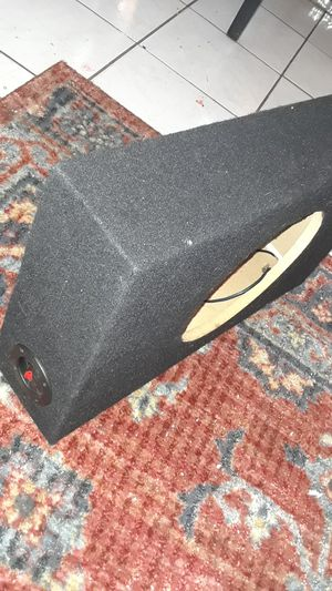 """10"""" subwoofer box for Sale in San Francisco, CA"""