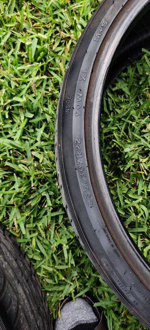 Photo 22 inch rim tires