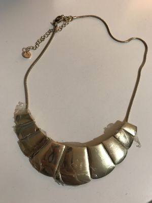 NEW WOMEN'S STATEMENT NECKLACE for Sale in Silver Spring, MD