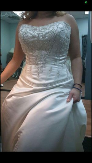 Photo 2 Wedding Dresses