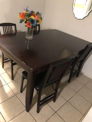 Mesa con cuatro cilla madera for Sale in Washington, DC