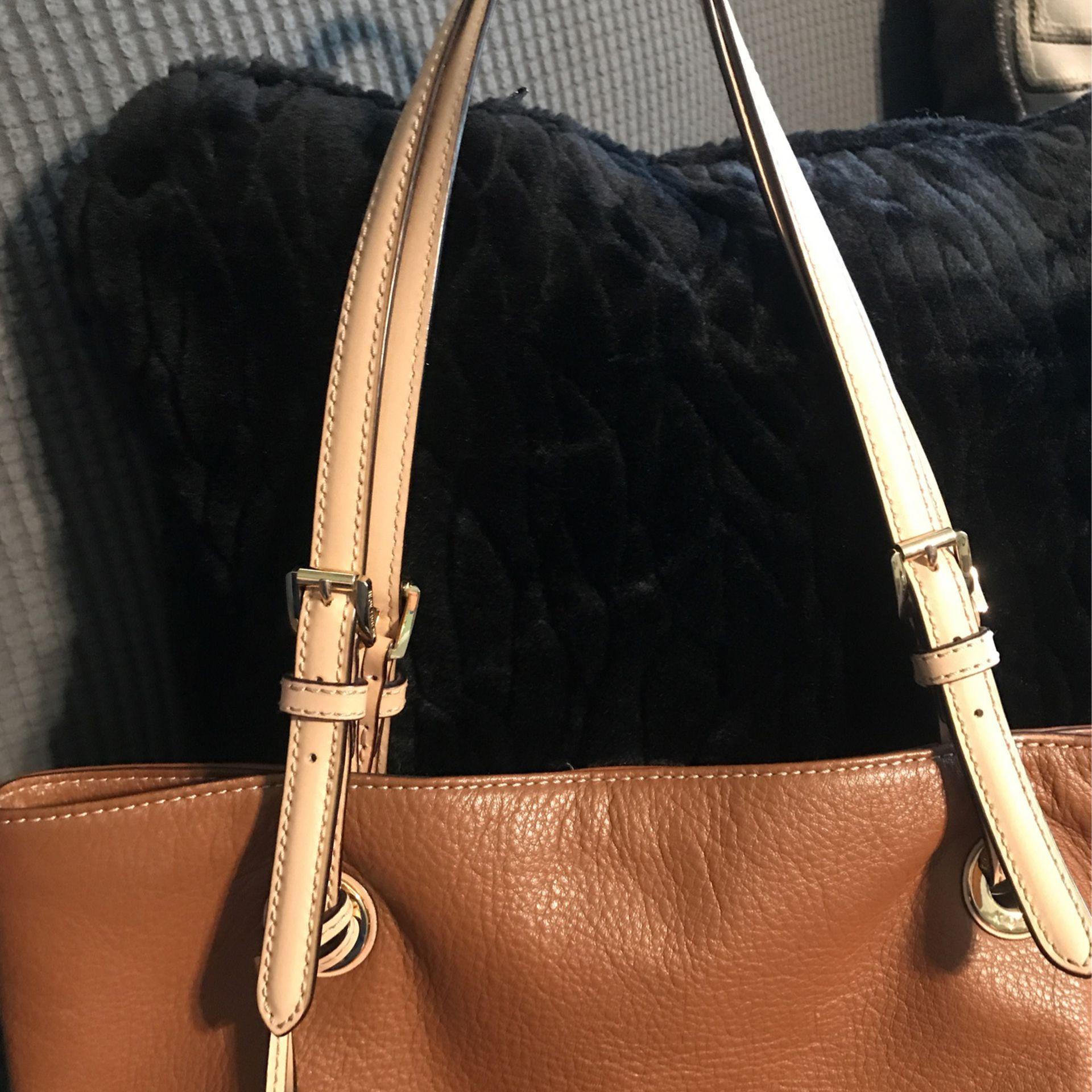 Leather Michael Kors Purse   Good Condition