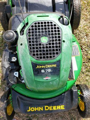Photo John deere self-propelled lawnmower (no bag)