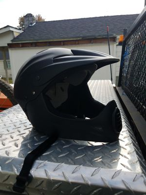 Down hill mountain bike helmet for Sale in Kent, WA