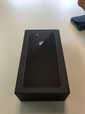 iPhone 8 T mobile for Sale in Bowie, MD
